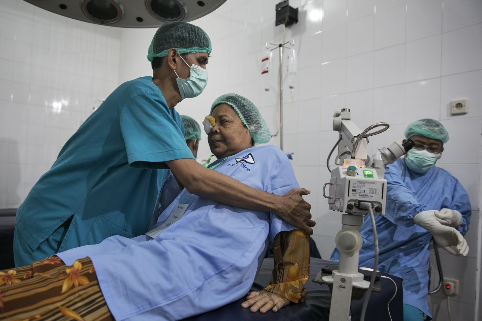 Cataract Surgery in Indonesia, March 2016