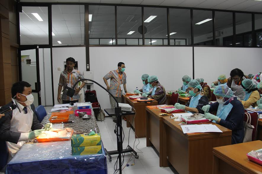 Collaboration with University of Gajah Mada Indonesia, where Tilganga Institute of Ophthalmology surgeons come to give regular lectures and demonstrations